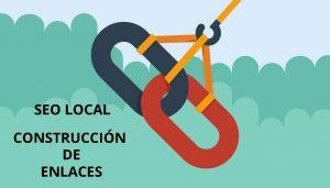eslabones cogidos por una grúa, representando la creación de un enlace para un negocio local por una agencia seo